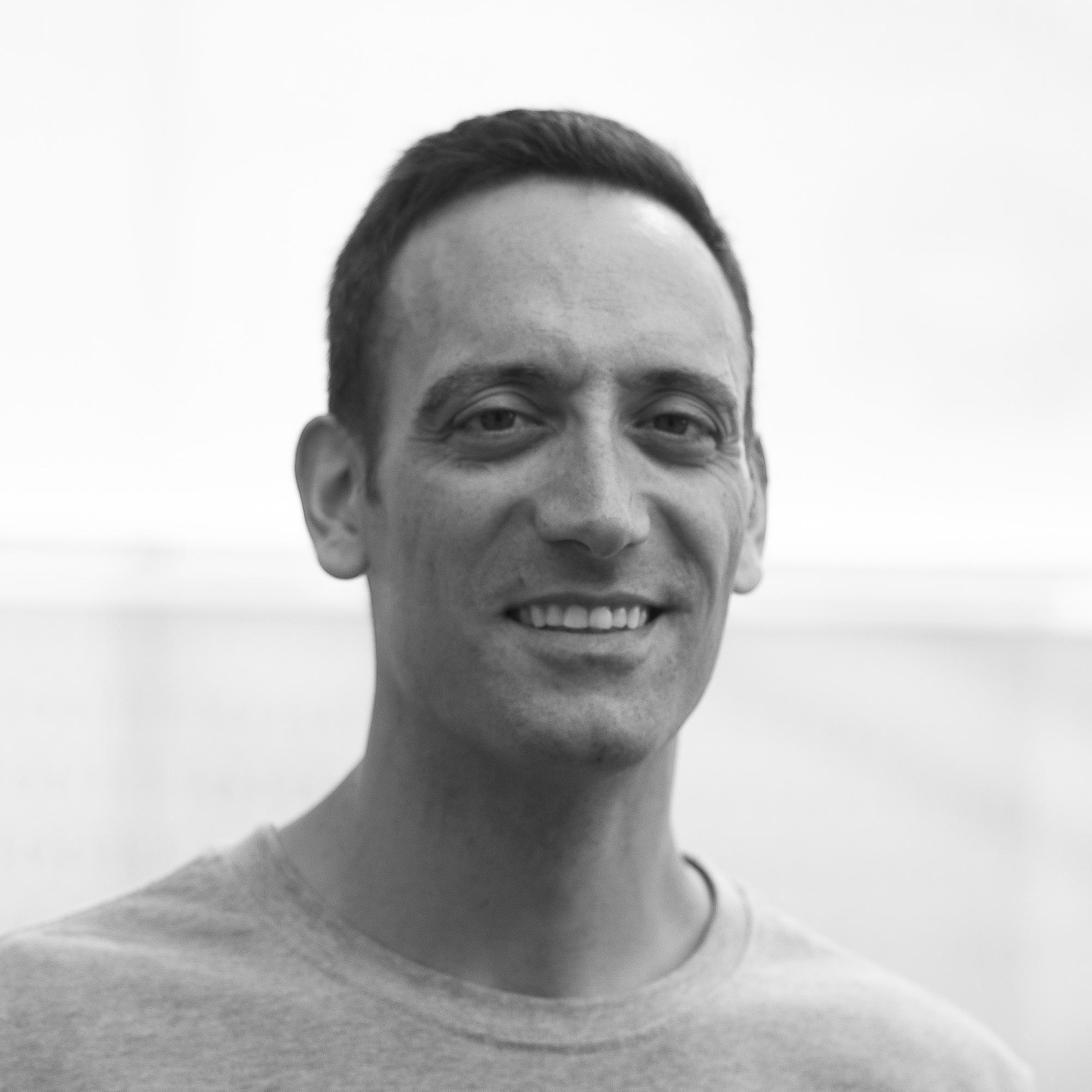 Roberto Llorens, PhD