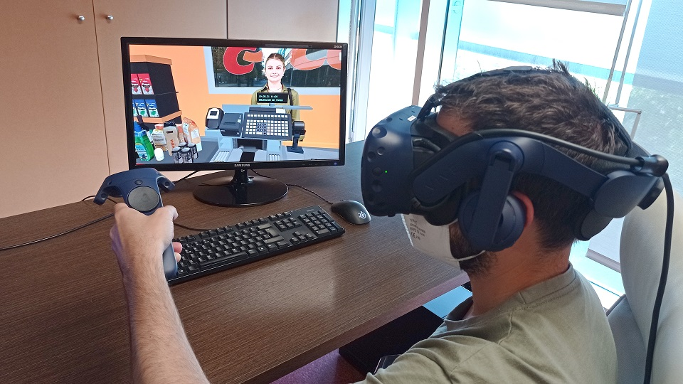 Consum and LabLENI-UPV are committed to virtual reality for the training of cashier staff